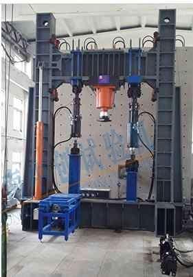 多通道协调加载试验机系统